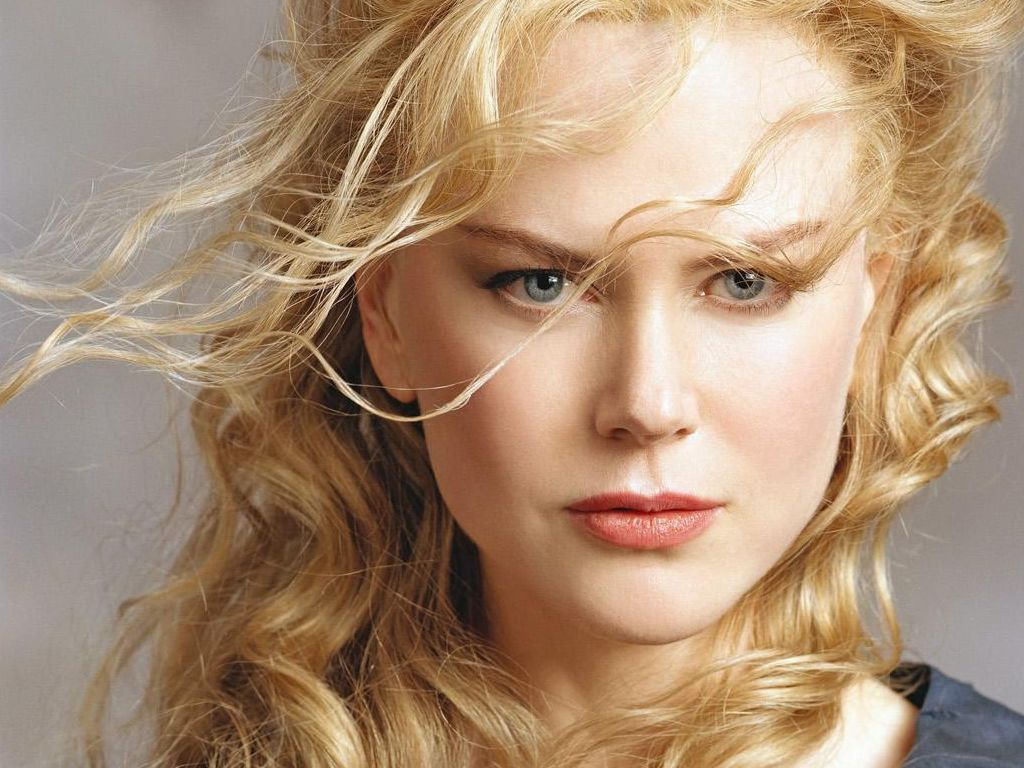 Blonde Nicole Kidman